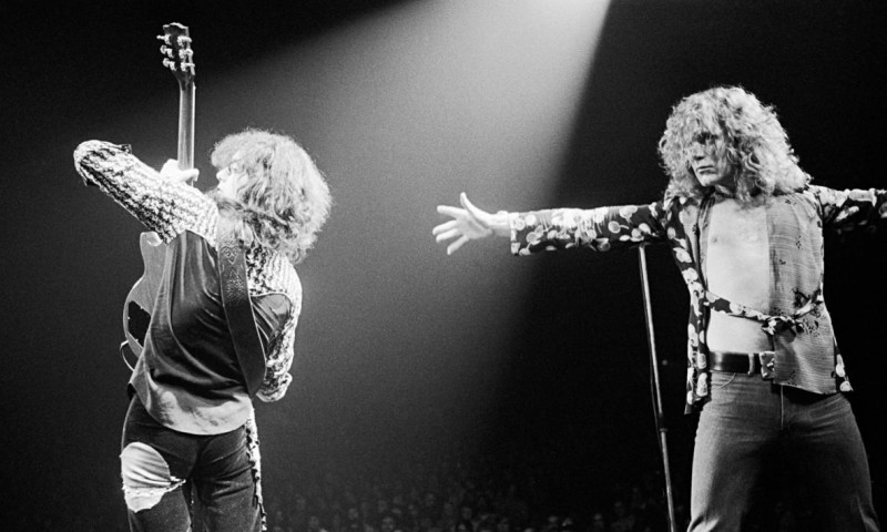 Led-Zeppelins-Jimmy-Page-014