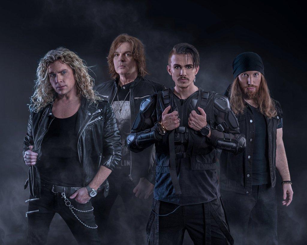 """CROWNE: il nuovo supergruppo svedese pubblica il primo singolo """"Mad World"""""""