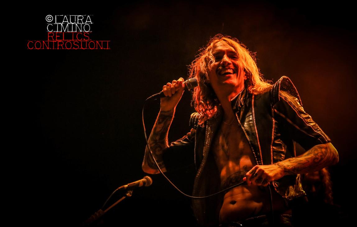 The Darkness live @ Prato è Spettacolo (foto di Laura Cimino)