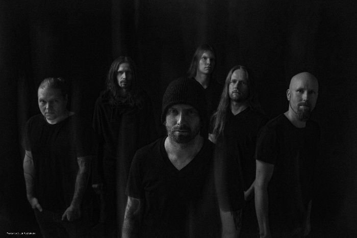 SWALLOW THE SUN: nuovo live video