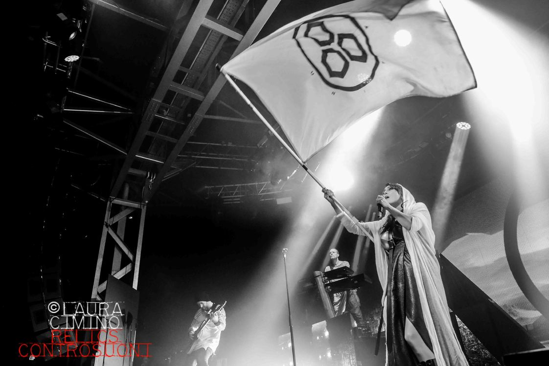 Within Temptation + Beyond the Black @ Fabrique - Milano (foto di Laura Cimino)